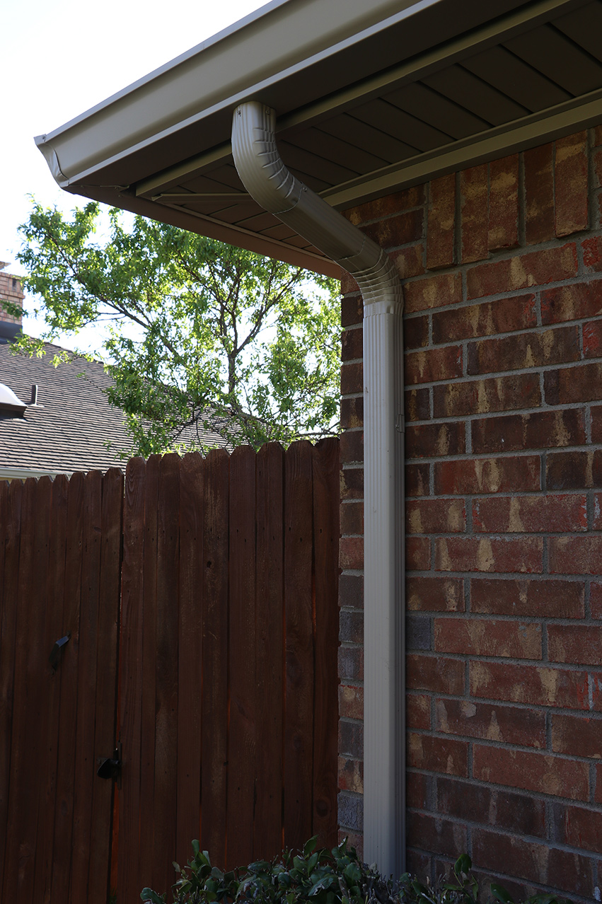 Texas Plains Gutter Downspouts